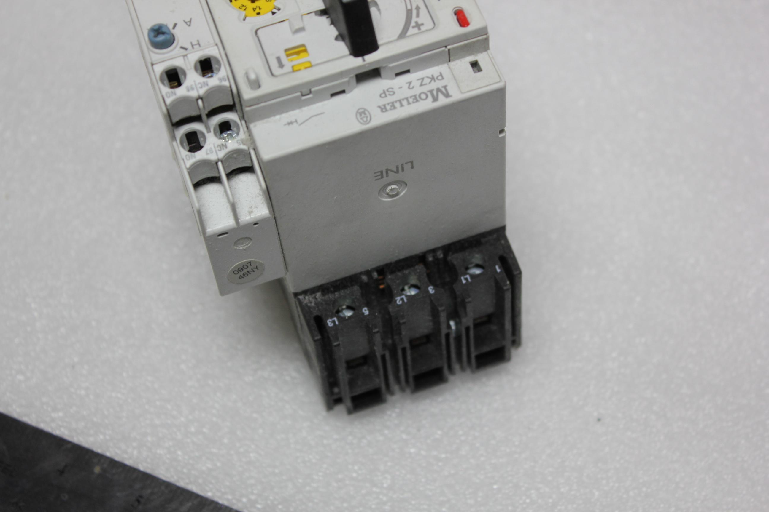 KLOCKNER MOELLER MOTOR PROTECTOR WITH REMOTE OPERATOR - Image 4 of 7