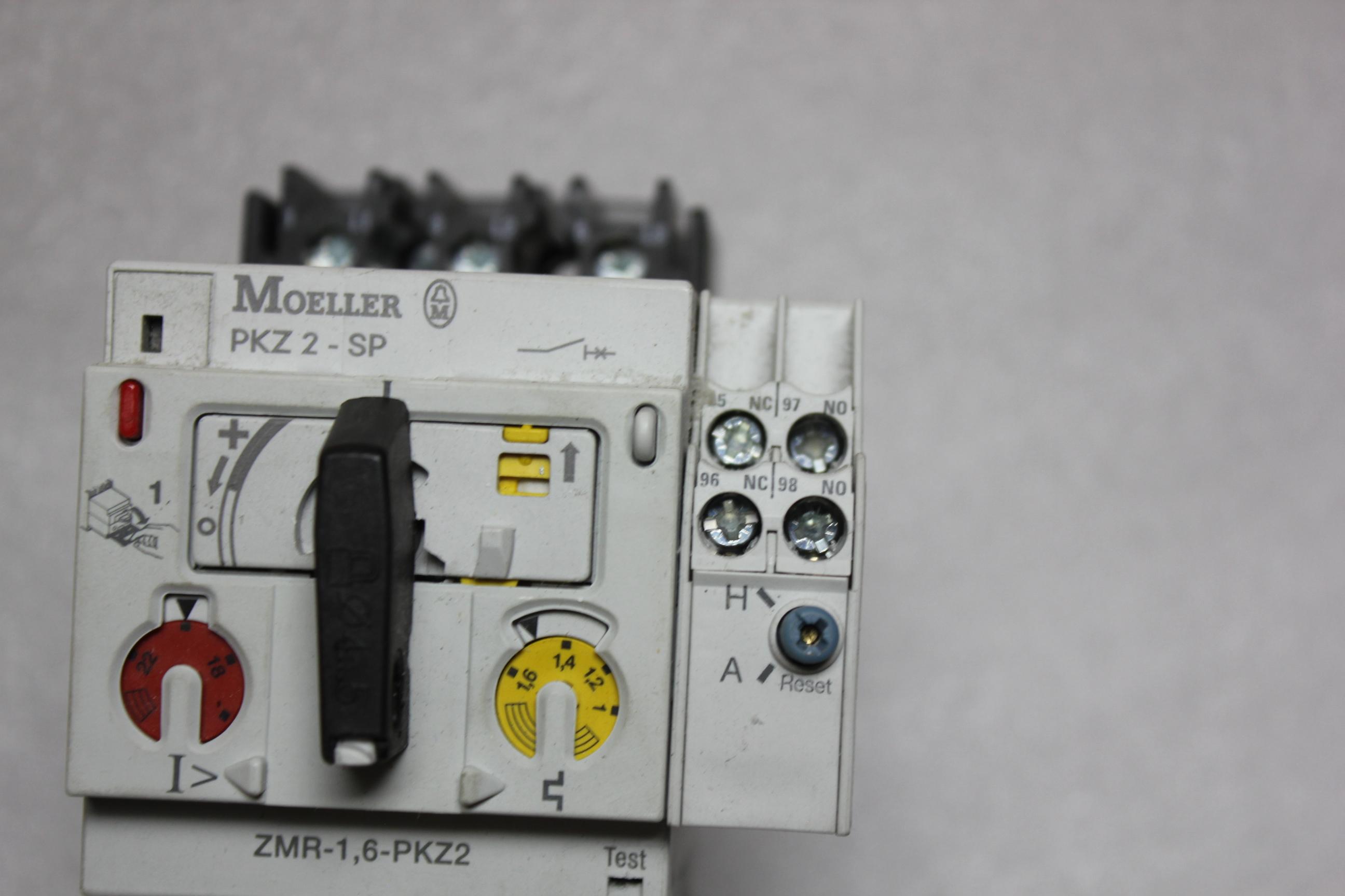 KLOCKNER MOELLER MOTOR PROTECTOR WITH REMOTE OPERATOR - Image 5 of 7