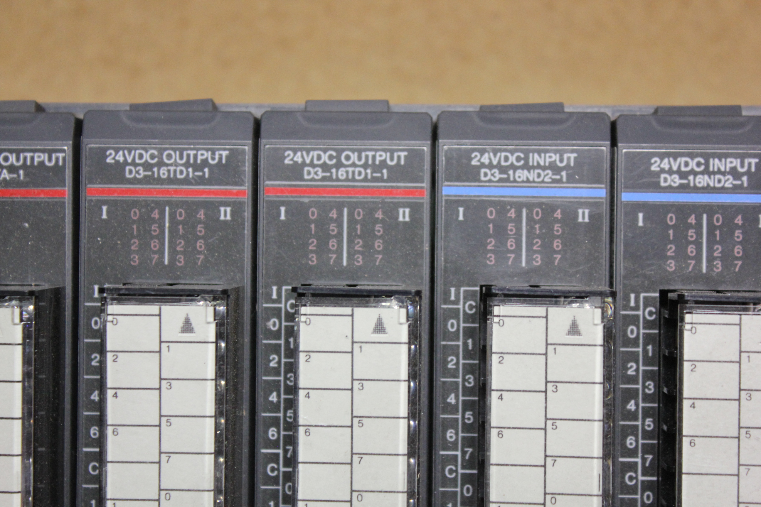 KOYO DIRECT LOGIC 305 PLC CHASSIS WITH 10 MODULES - Image 5 of 8