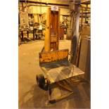 Dayton 500 LB Manual lift truck dolly