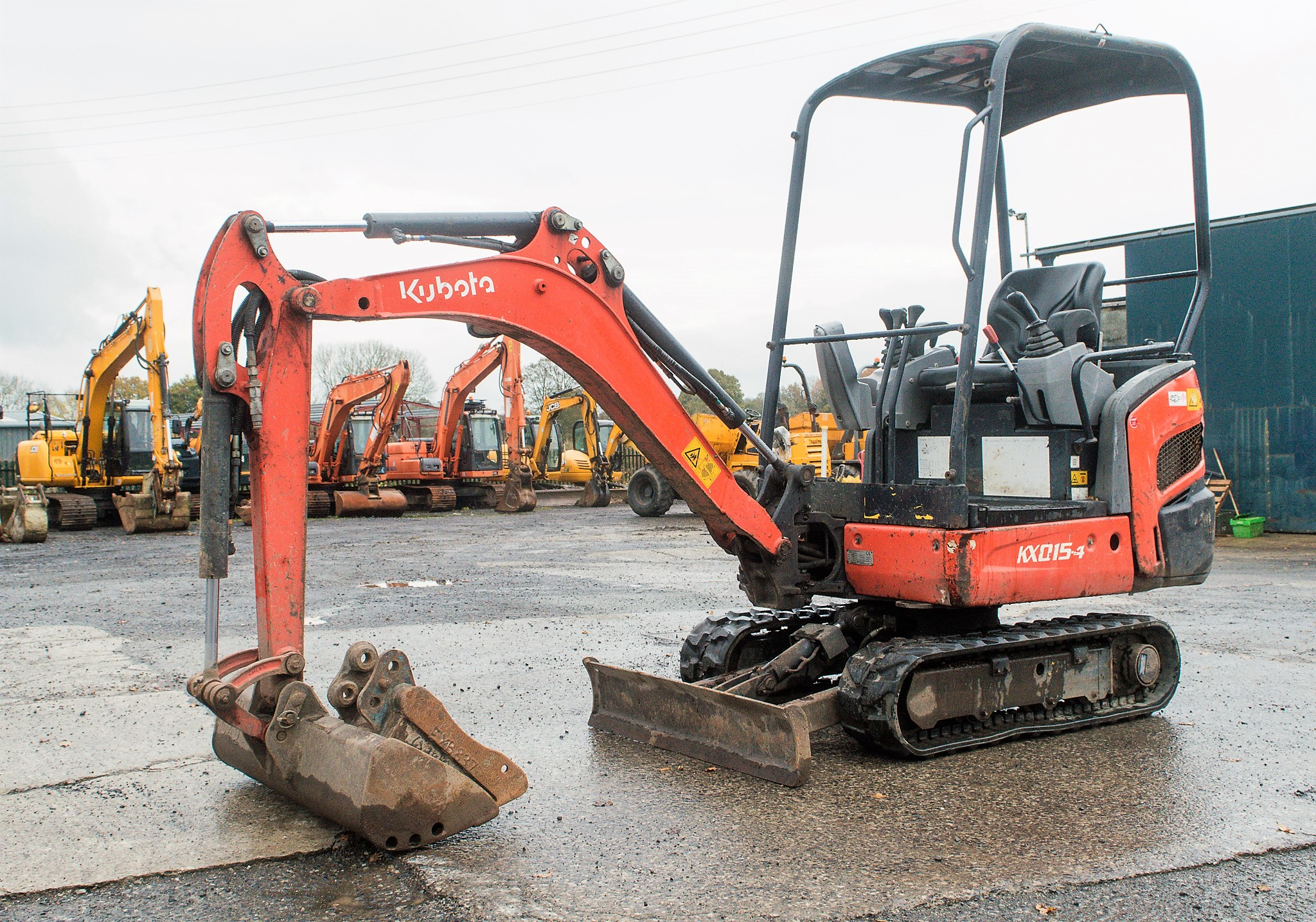 Lot 17 - Kubota KX015-4 1.5 tonne rubber tracked mini excavator Year: 2011 S/N: 55607 Recorded Hours: 2768