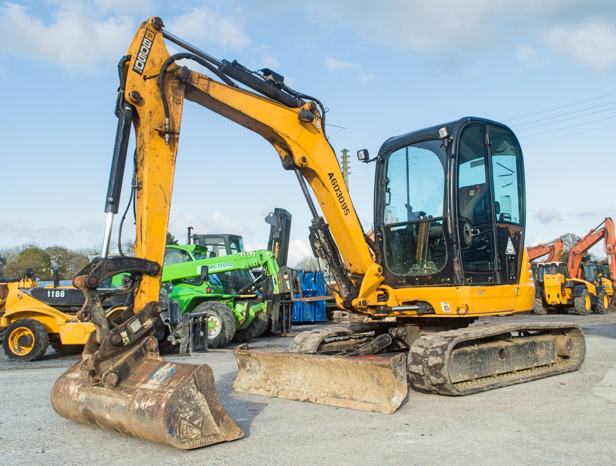 Lot 10 - JCB 8050 RTS 5 tonne rubber tracked midi excavator Year: 2013 S/N: 1741865 Recorded Hours: 2397
