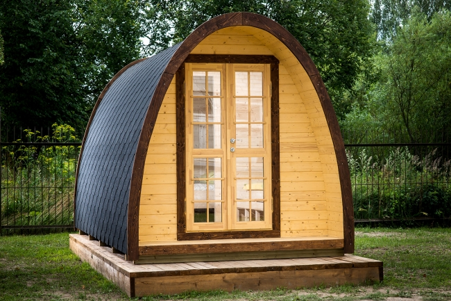 Lot 18092 - V Brand New 9.3m sq (2.4m x 4.8m) Spruce Camping Pod - Holds 2-4 People - Opening Window In The Back