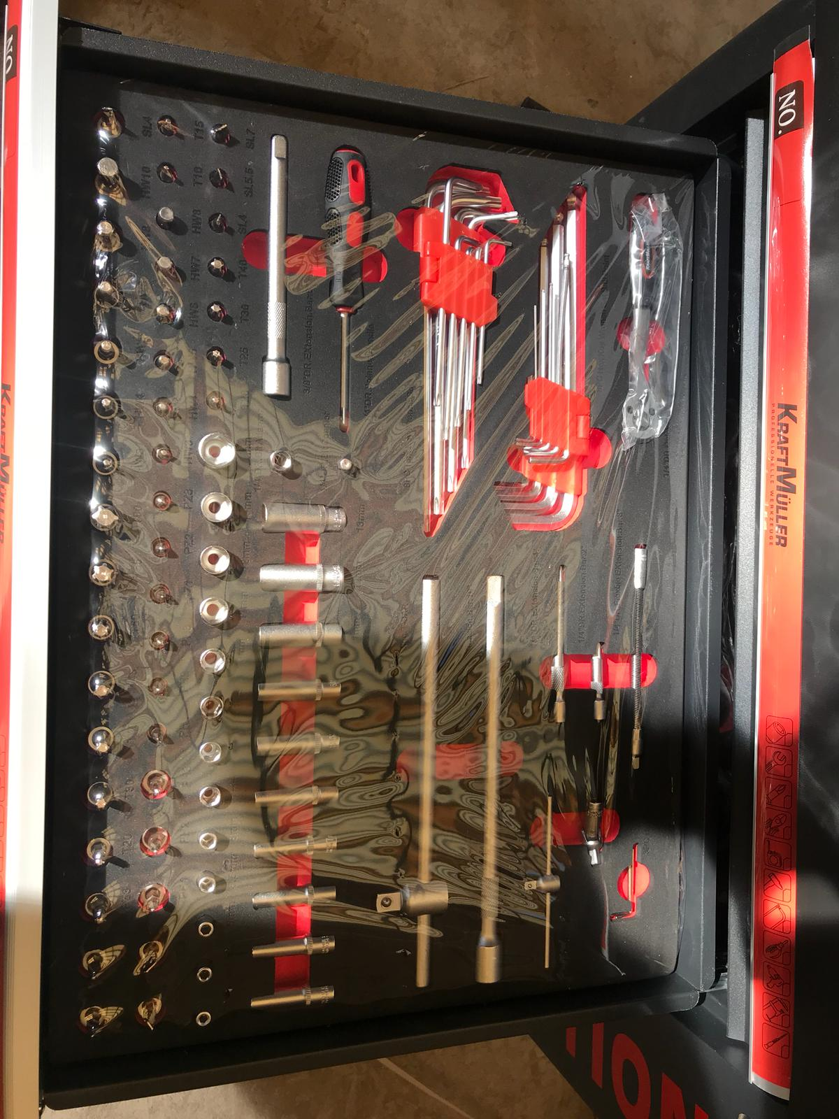 Lot 18054 - V Brand New Seven Drawer Locking Garage Tool Cabinet With Lockable Casters - Seven EVA Drawers of