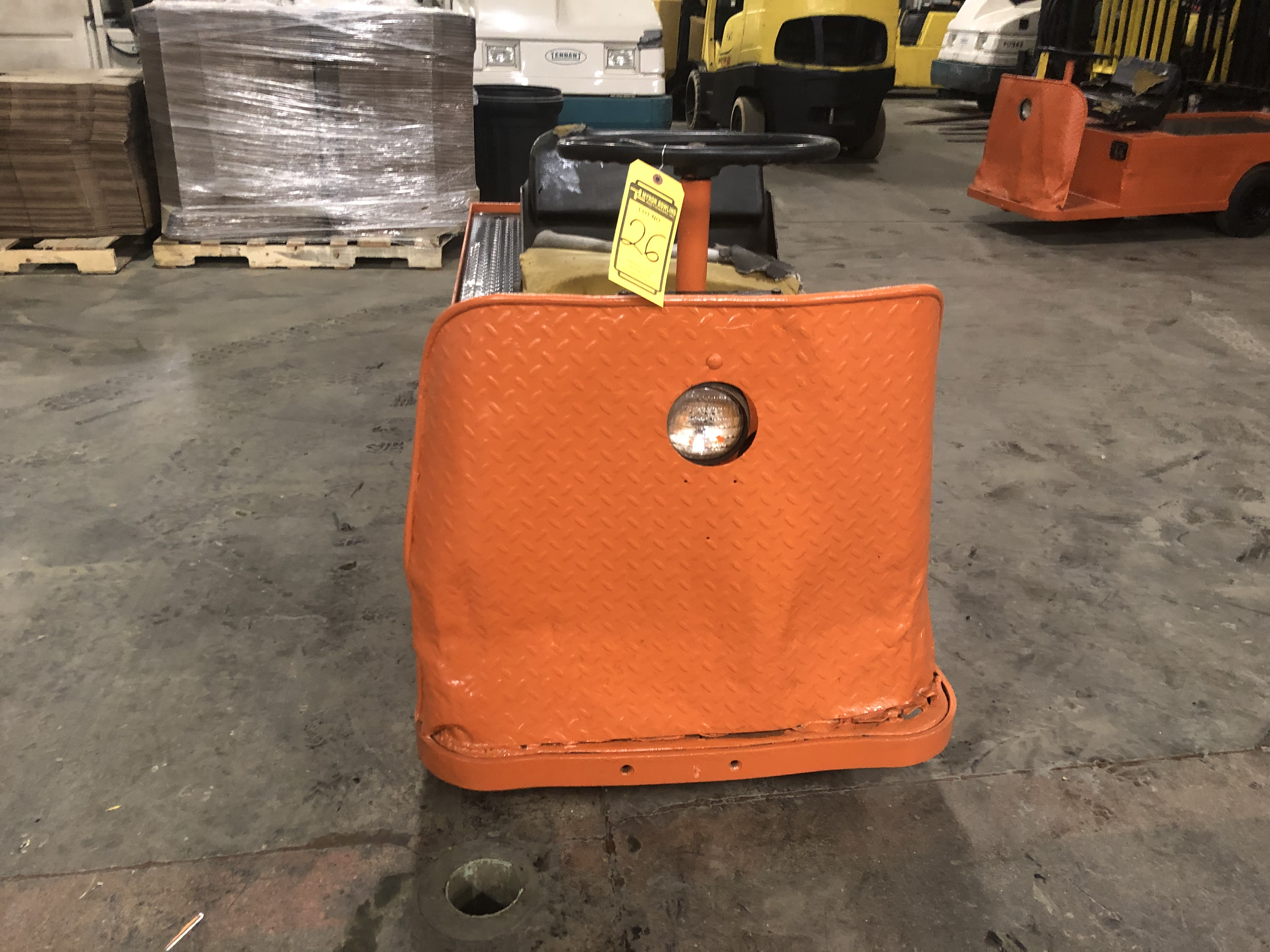 Lot 26 - 2007 TAYLOR-DUNN 3-WHEEL ELECTRIC PERSONNEL CART, ON-BOARD CHARGER, PNEUMATIC TIRES,450-LB. CAPACITY