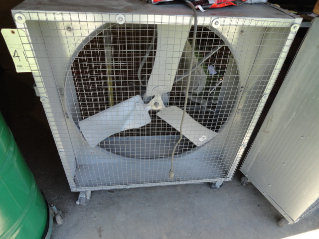 Lot 41 - BOX SHOP FAN, QUIETAIRE 36""
