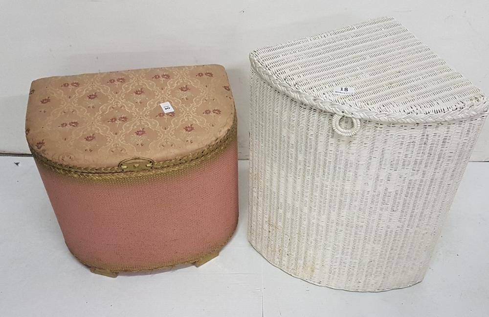 Lot 18 - 2 vintage Lloyd Loom Baskets (2) (1 white, 1 pink)