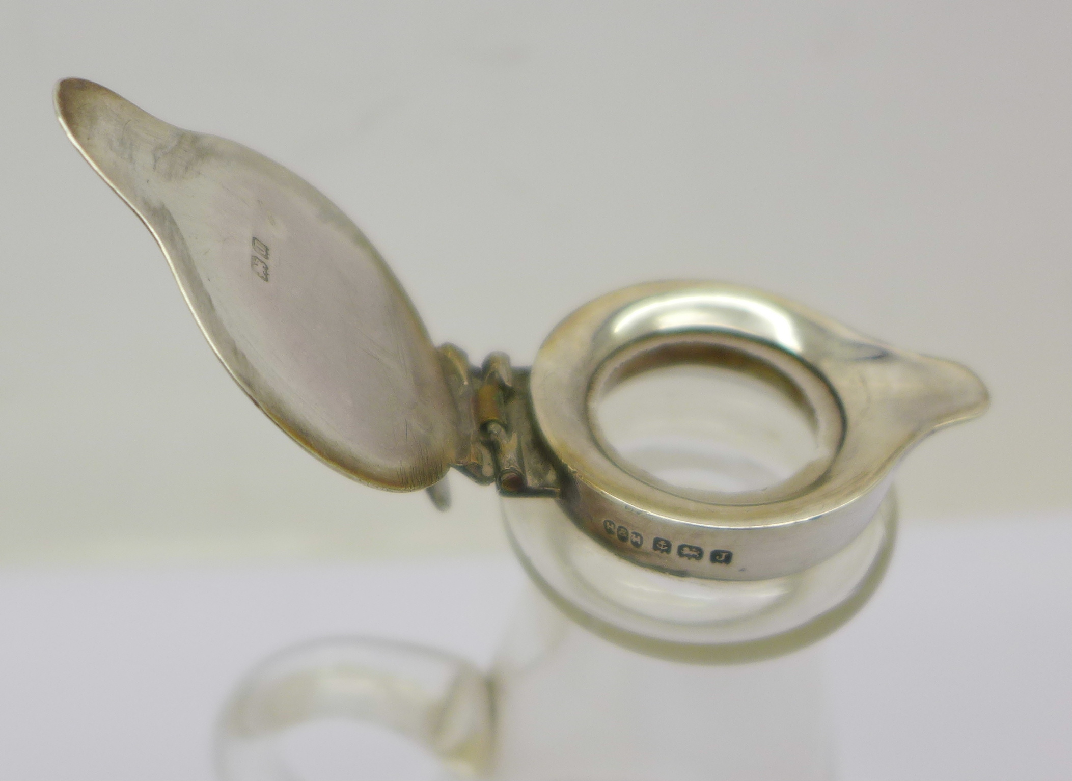 A silver topped glass noggin, - Image 2 of 2