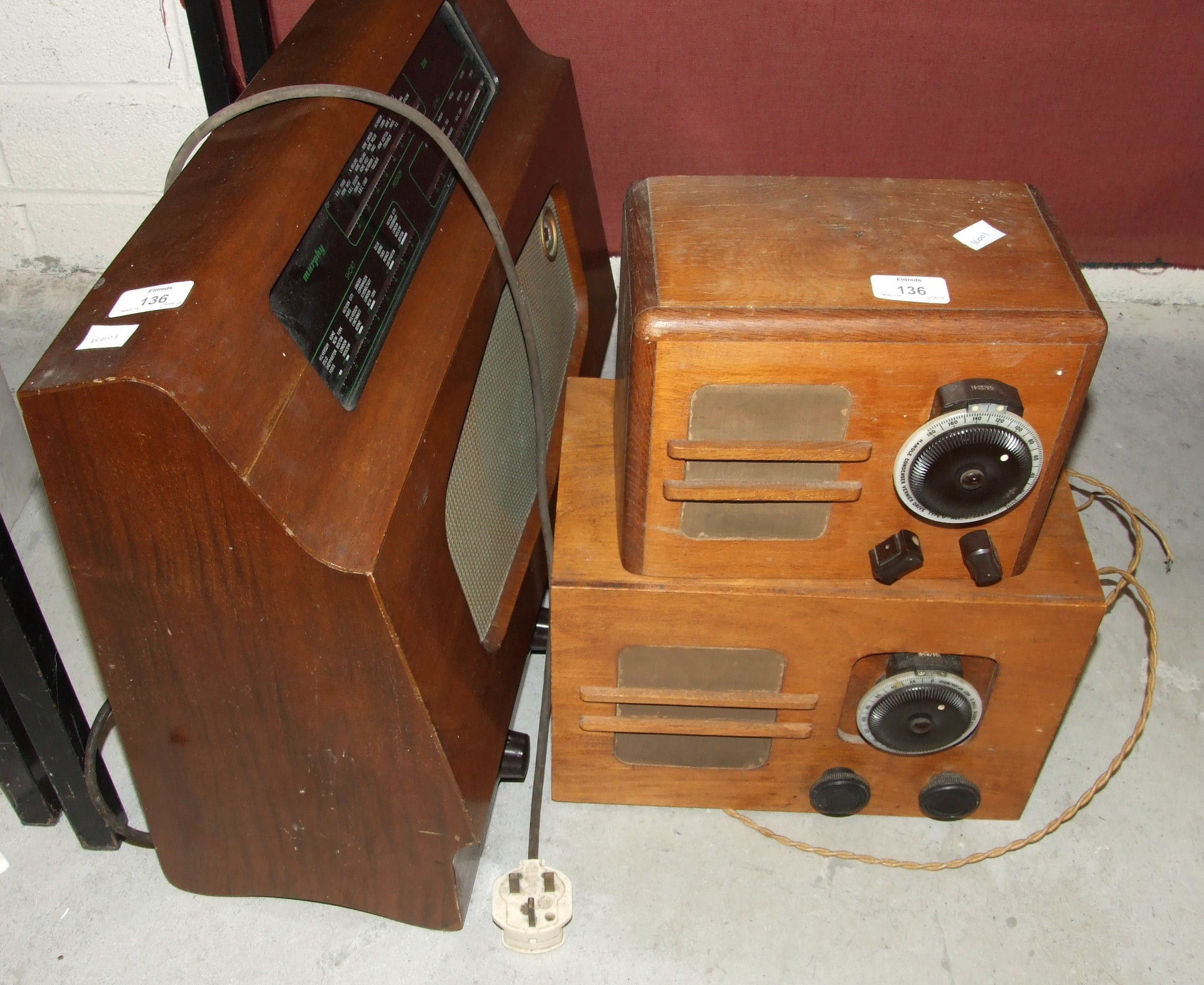 Lot 136 - A Seidel & Naumann 'Erika' typewriter in case, a Murphy 186 wooden-cased radio and two other valve