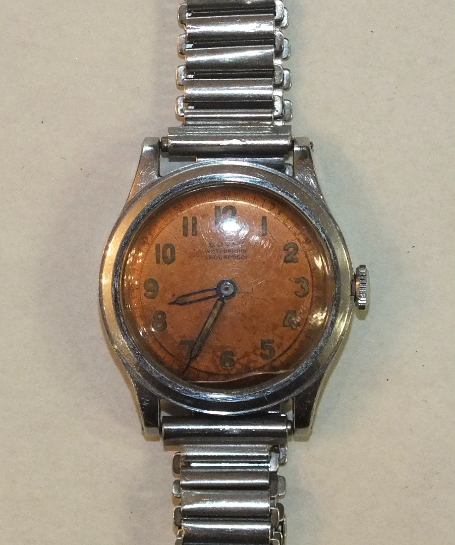 Lot 231 - Bovet Fleurier, a gent's wrist watch c1940's, the coppered dial with luminous Arabic numerals and