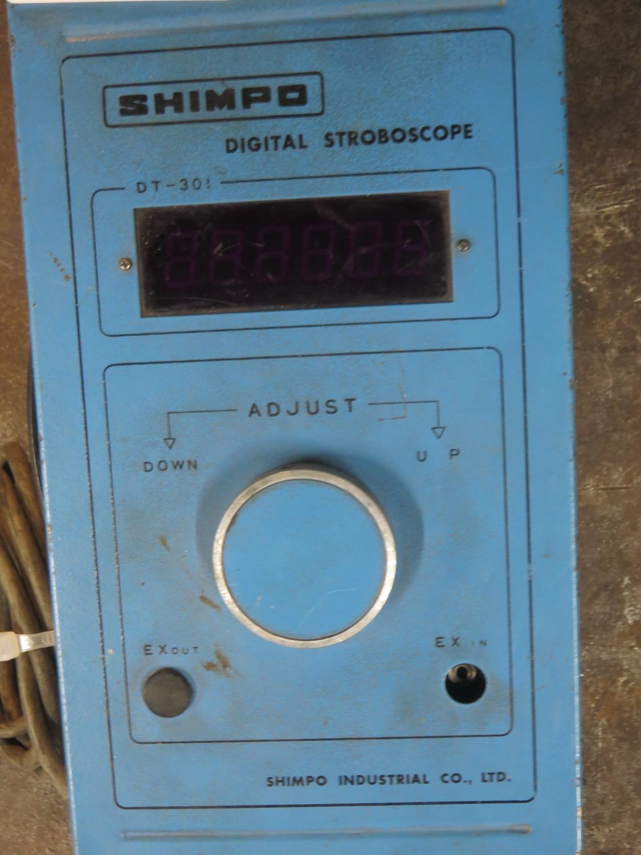 Lot 17 - SHIMPO MOD DT-301 DIGITAL STROBE LIGHT