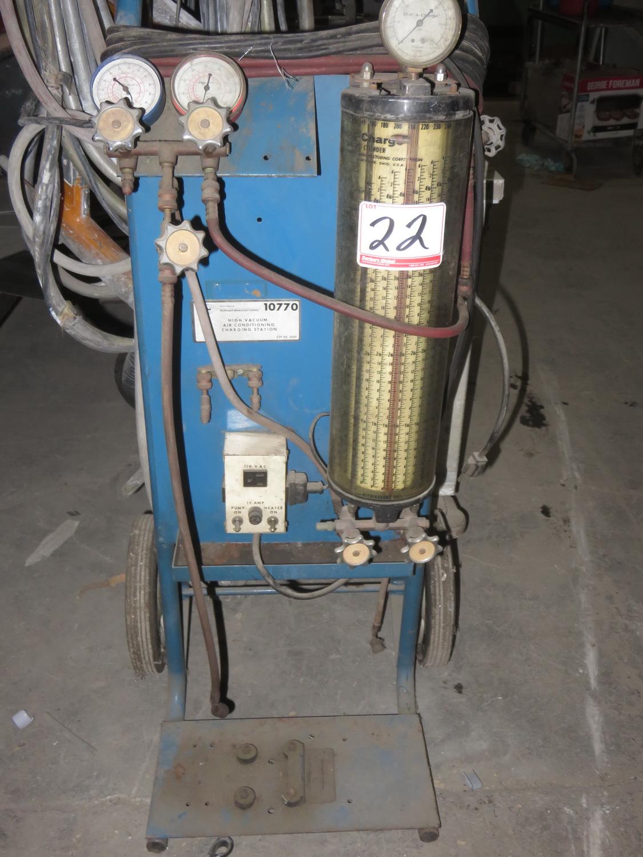 Lot 22 - ROBIN AIR MFG. KENT-MOORE HIGH VACUUM AIR CONDITIONING CHARGING STATION