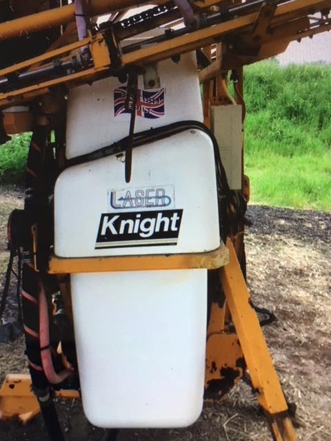 Lot 5 - Knight sprayer, 2002, good working order, 24m gullwing boom, 1,100 ltr tank. Stored near Beccles.