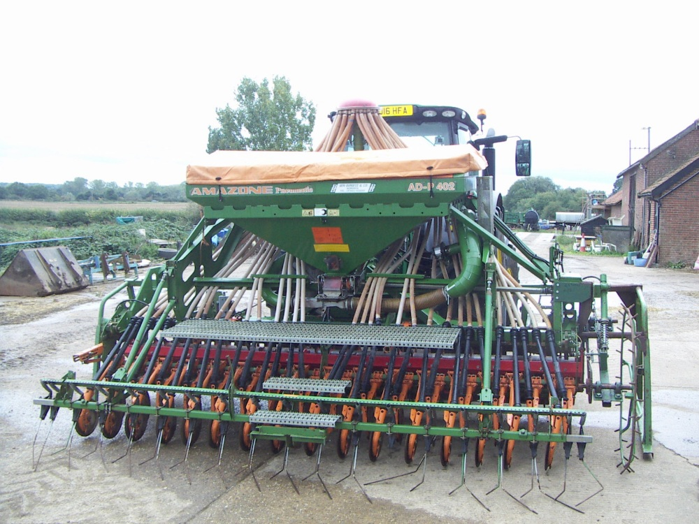 Lot 39 - 4 metre combination Amazone Drill, Model AD P 402, drill combination new in 1996,