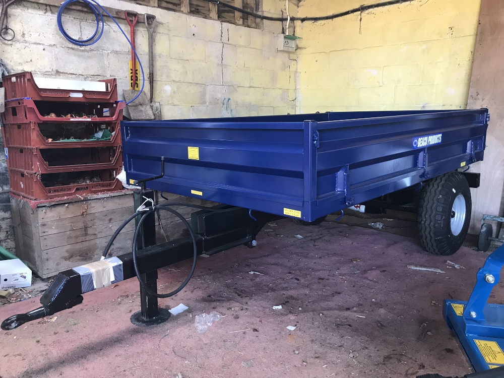 Lot 40 - 2T tipping trailer, drop sides. Stored near Woodbridge.
