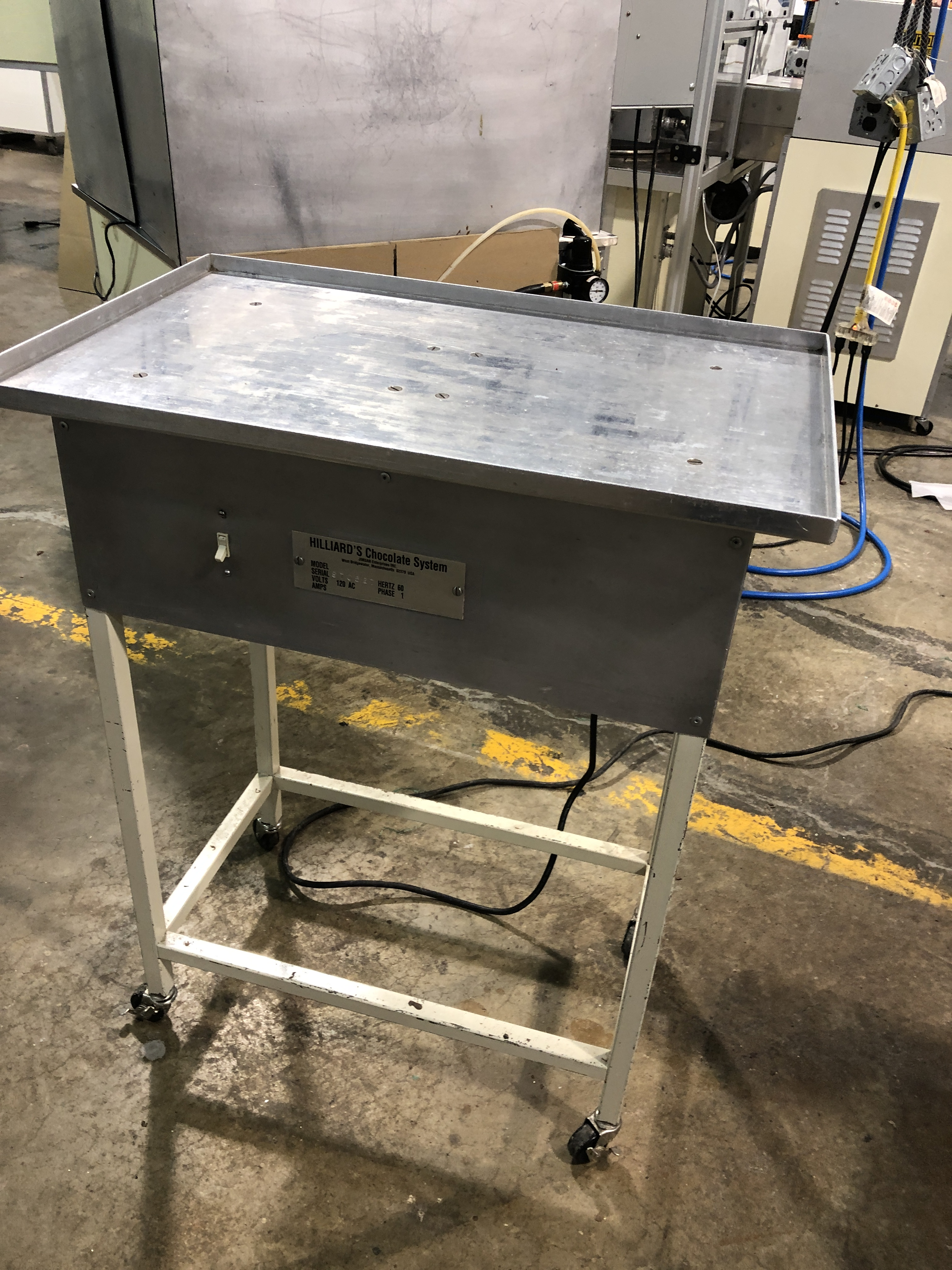 "Lot 6 - Hilliard 18"" x 28"" Vibrating Table. 110 volts. Serial#970527"