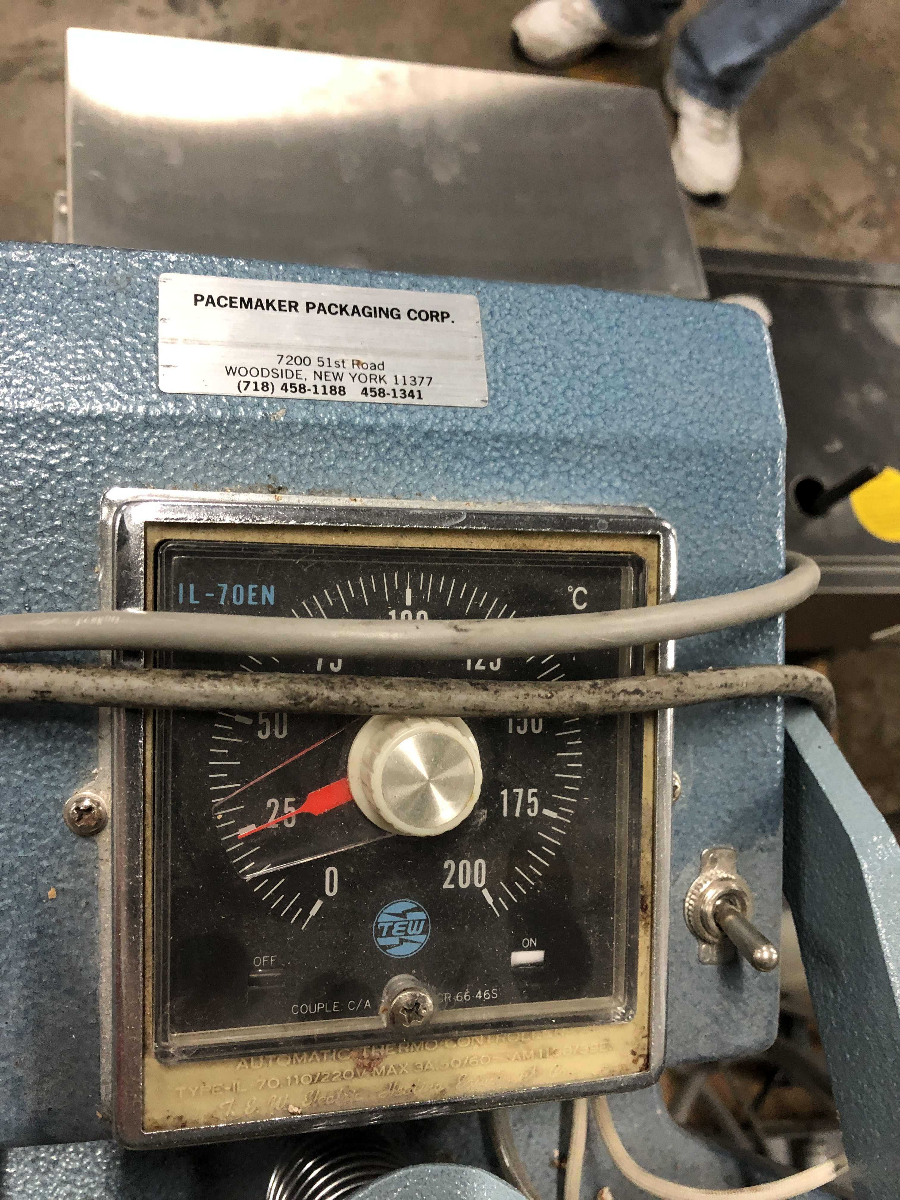 """Lot 43 - Pacemaker Jaw type 12"""" wide Bag Sealer"""