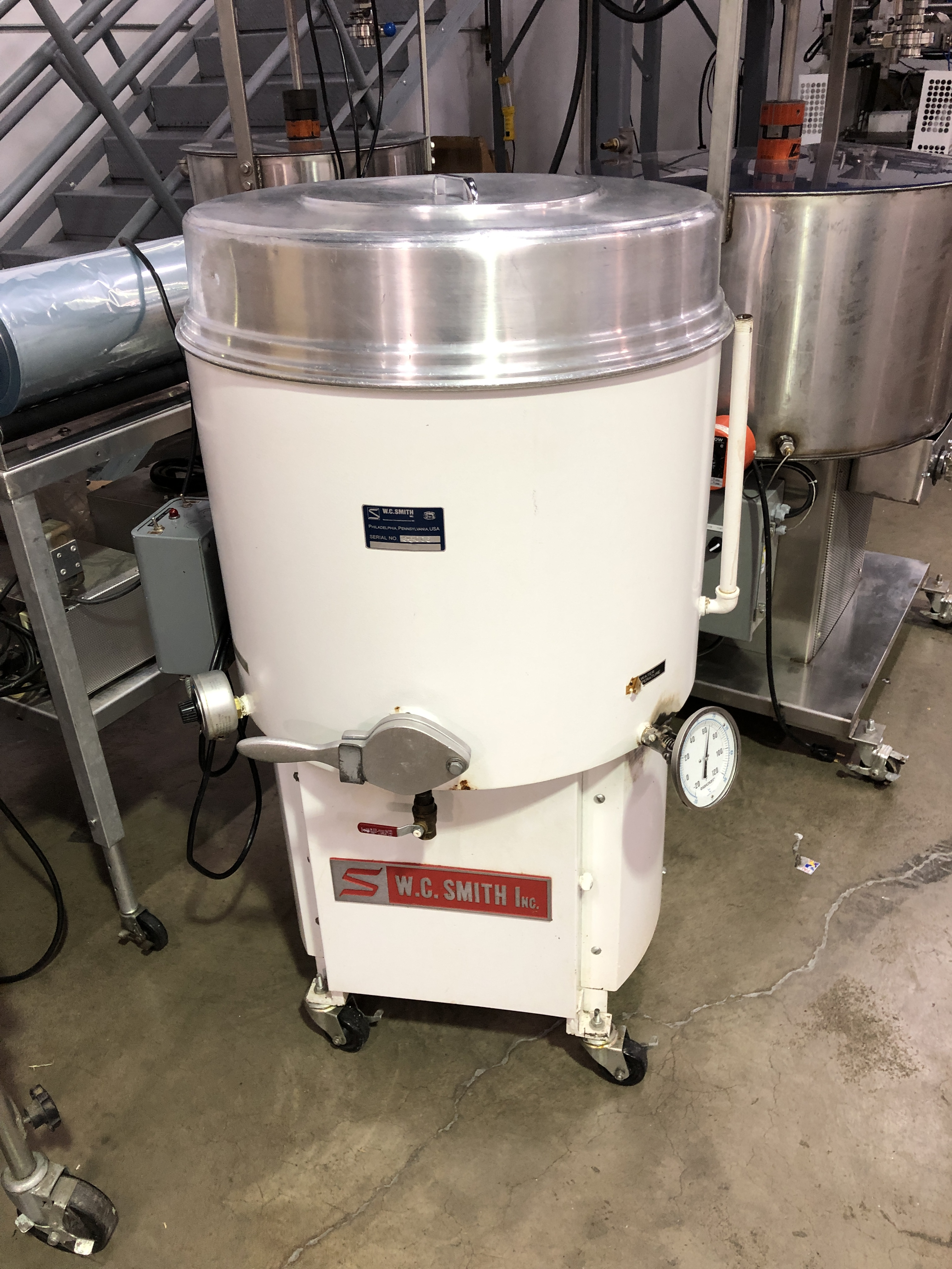 "Lot 3 - Smith 250-lb water jacketed and agitated Chocolate Melter. 22"" diameter x 18"" deep tank."
