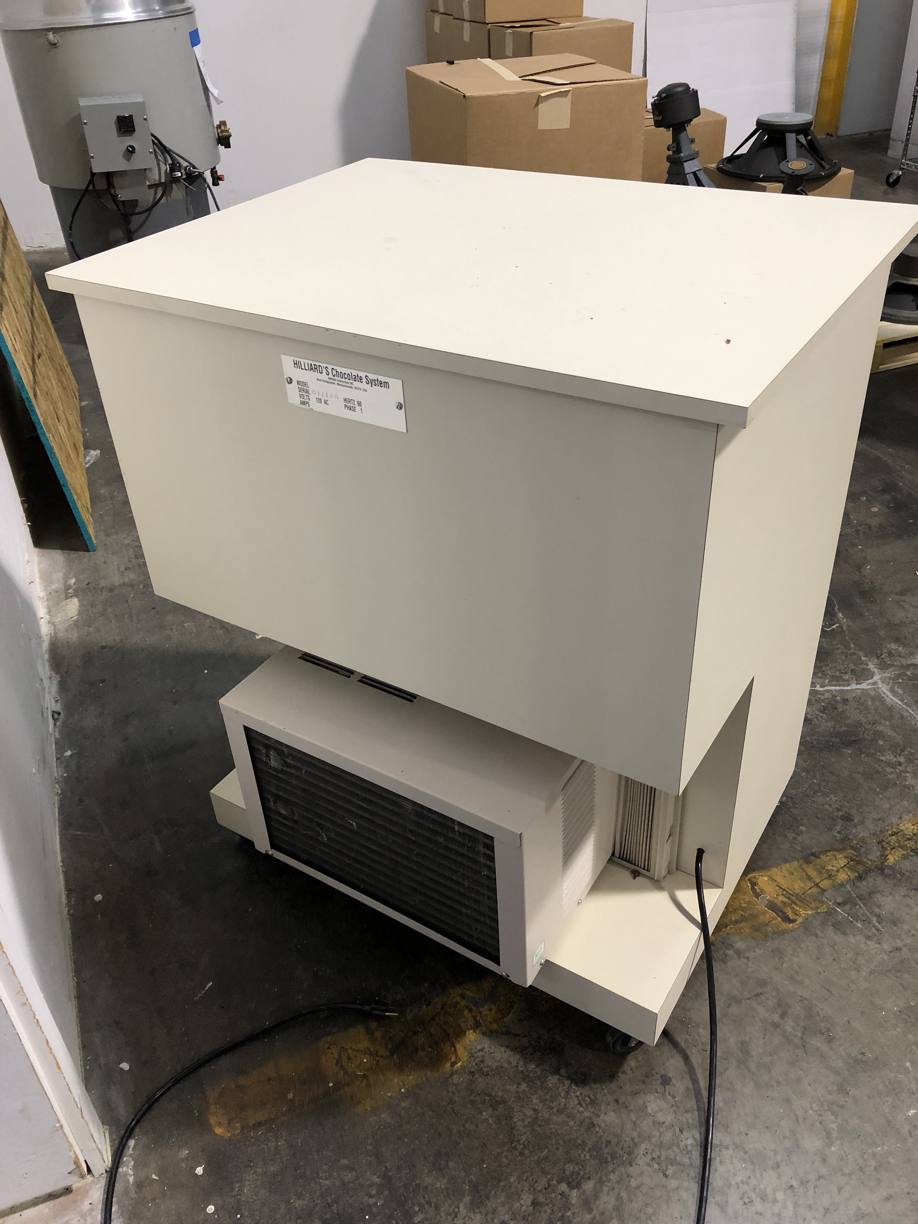 Lot 5 - Hilliard Cooling Cabinet with AC unit. Serial#011128. 110 volts.
