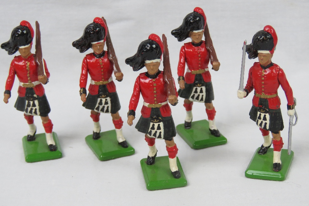 Five Britains 1988 lead toy soldiers Bla