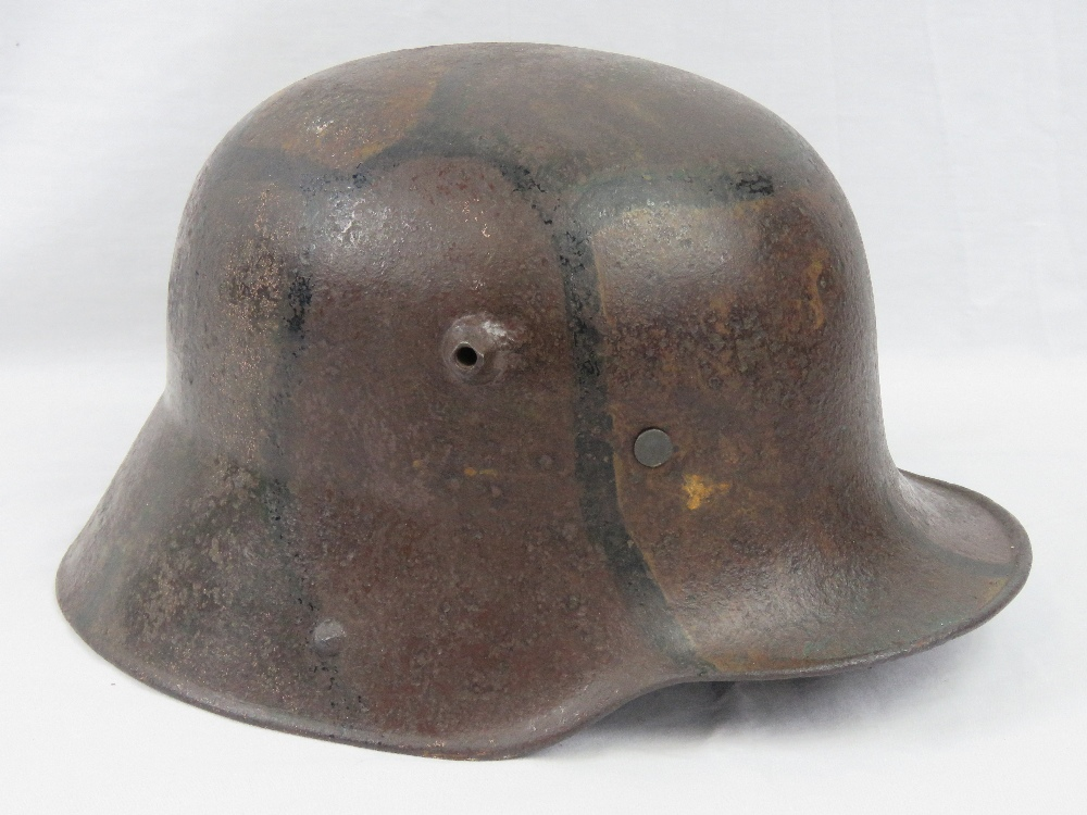 Lot 138 - A WWI German M1916 Infantry helmet with
