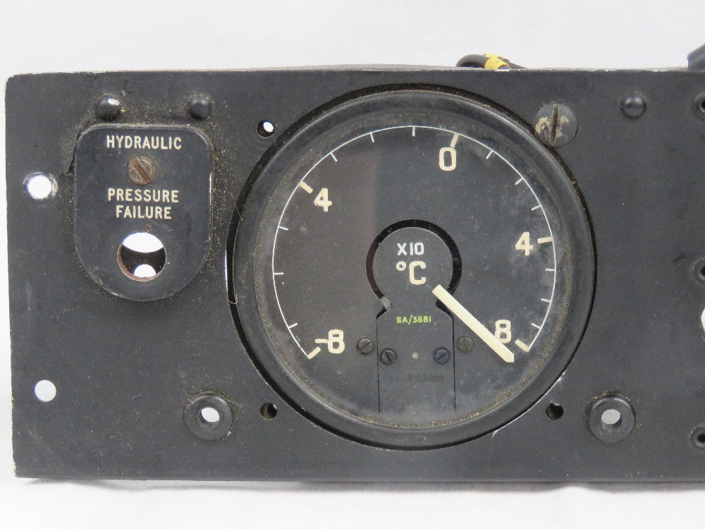 A Royal Air Force cockpit oxygen control - Image 2 of 3