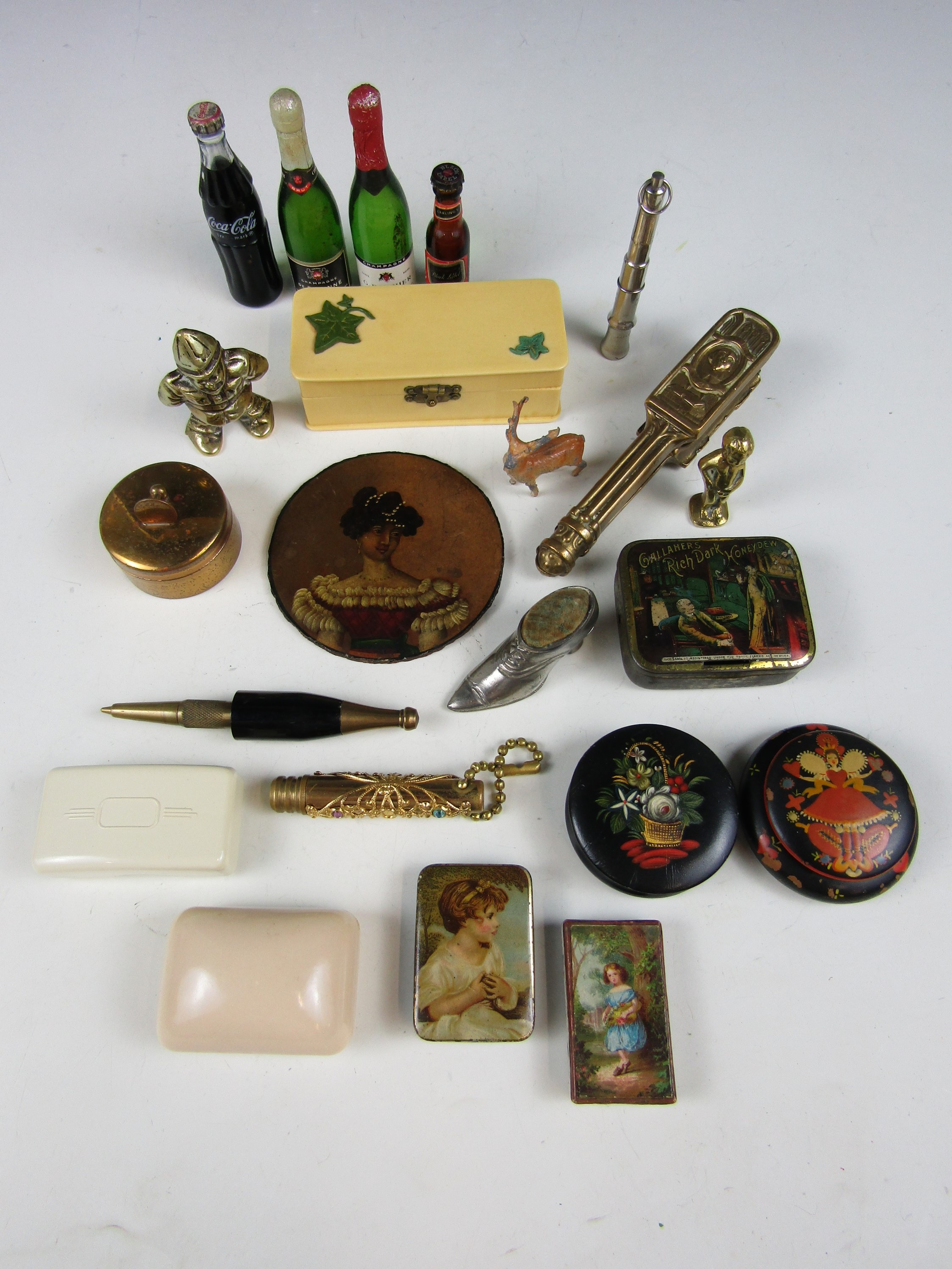 Lot 19 - Sundry collectors' items including Shakespeare nutcrackers and a novelty pen in the form of a bottle