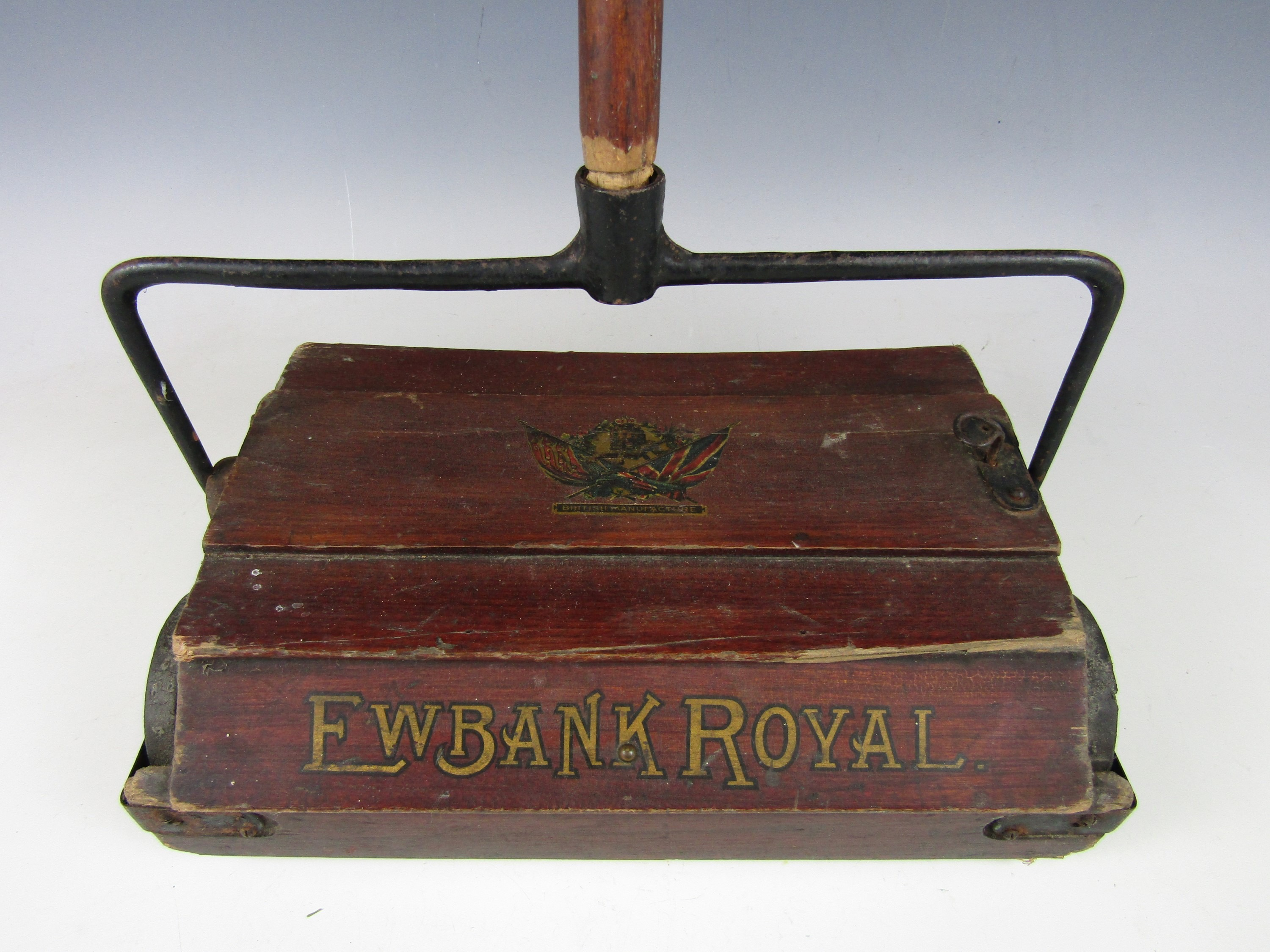 Lot 44 - A 1902 Ewbank Royal carpet sweeper