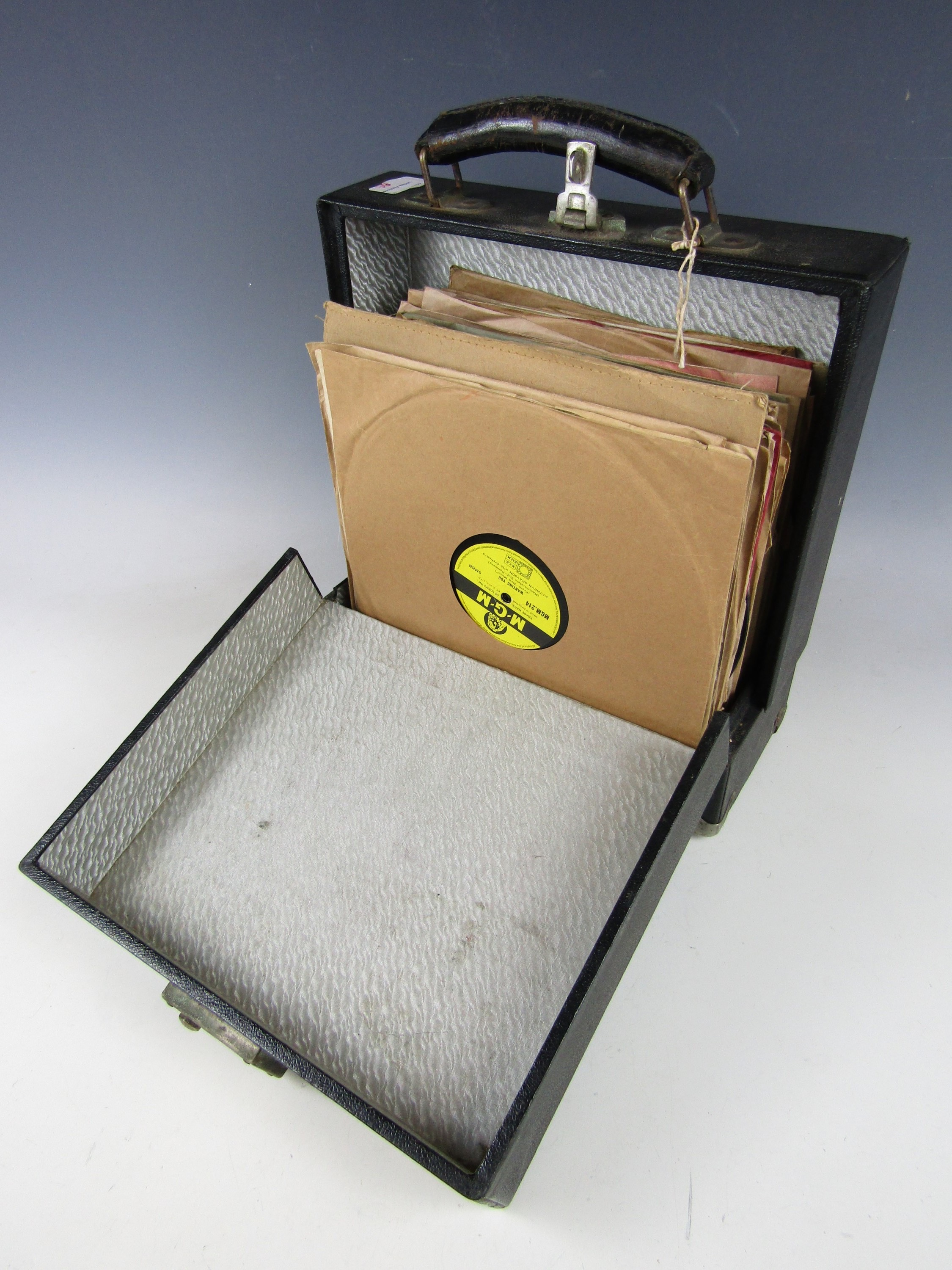 Lot 60 - A cased quantity of gramophone records etc