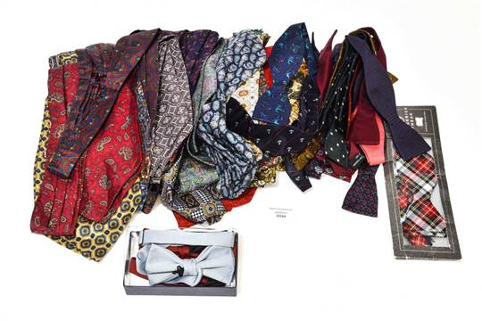 A Good Collection Of Mens Cravats To Include Austin Reed Tootal Christion Dior Paddy Campbell