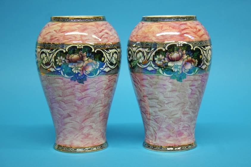 Lot 2 - A pair of New Hall 'Boumier Ware' vases and a quantity of Maling vases (7)