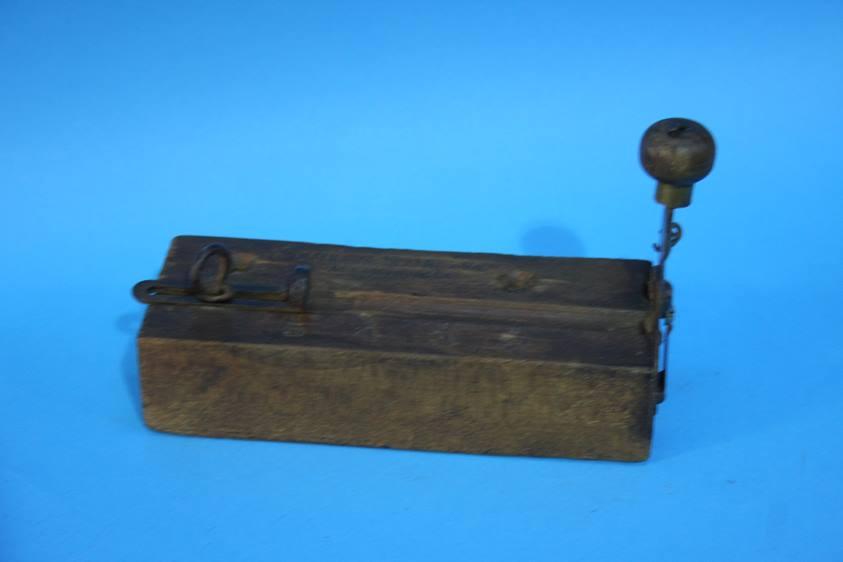 Lot 49 - A 'National Setting Co. Allentown P.A' cigar cutter
