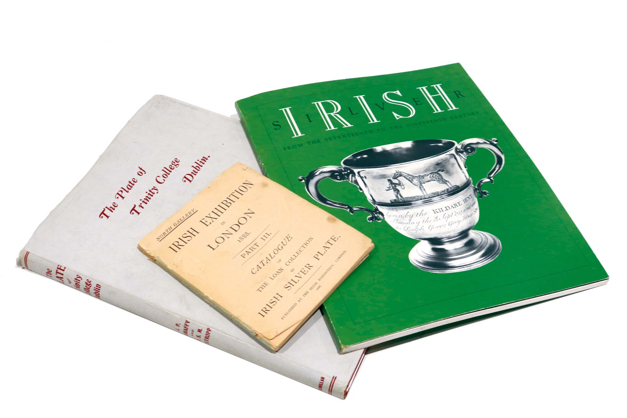 Lot 37 - IRELAND A quantity of literature to include Irish Arts Review Yearbooks, Exhibition Catalogues,