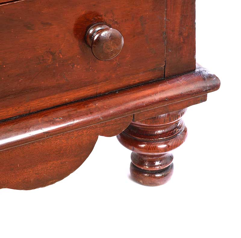 VICTORIAN MAHOGANY CHEST OF DRAWERS - Image 5 of 7