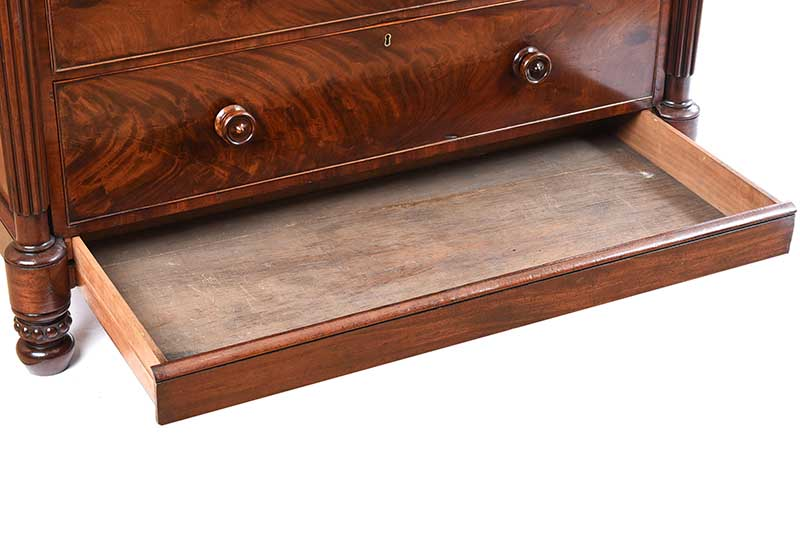 REGENCY MAHOGANY CHEST OF DRAWERS - Image 8 of 11