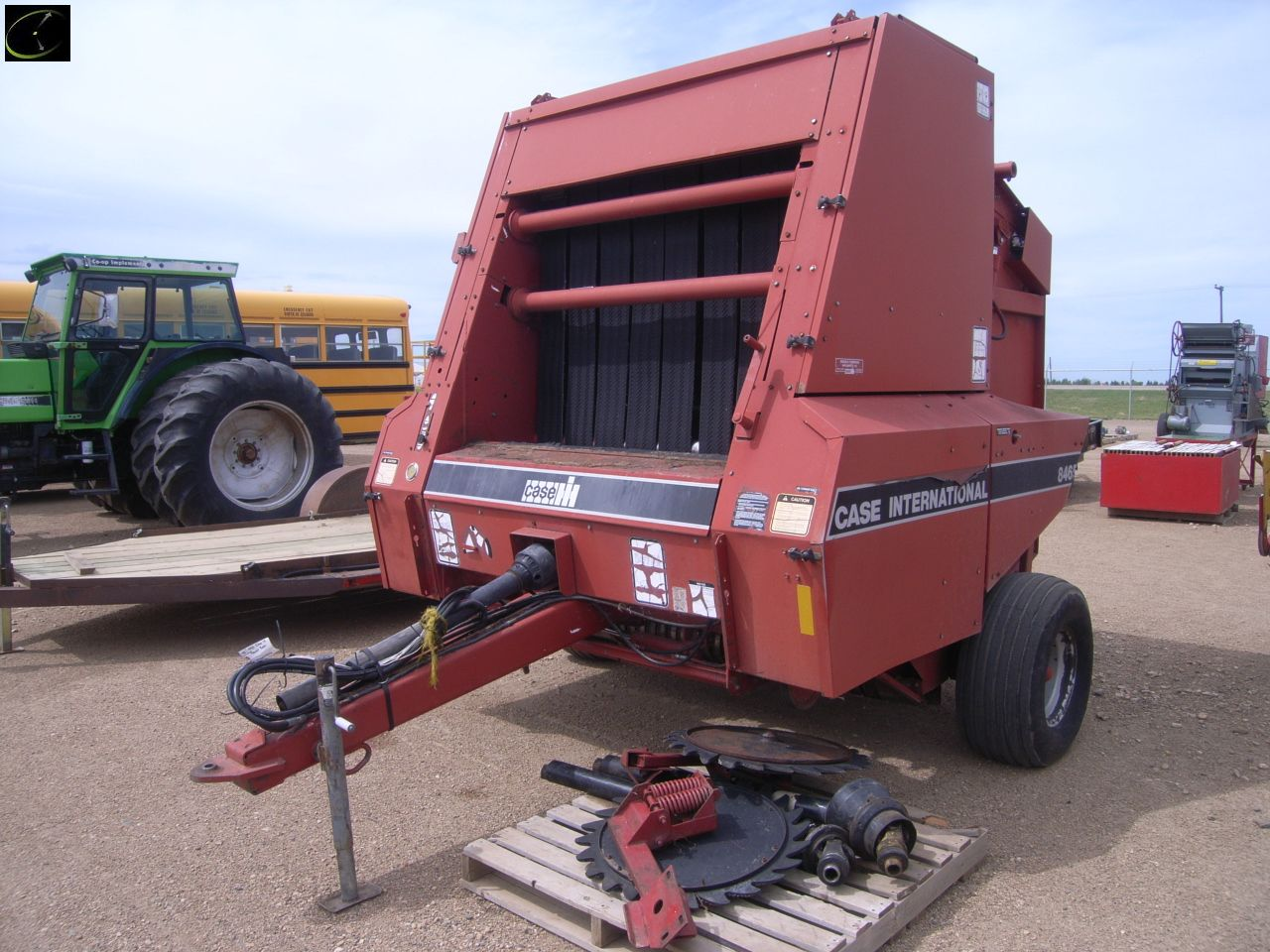 Lot 2075 - 1993 Case/IH 8465 Round Baler SN CFH007442, gathering wheels,