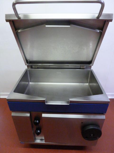 Blue Seal Manual Tilt Gas Bratt Pan  Model G580 N 734498  Size  W  90cm  Viewing  8am
