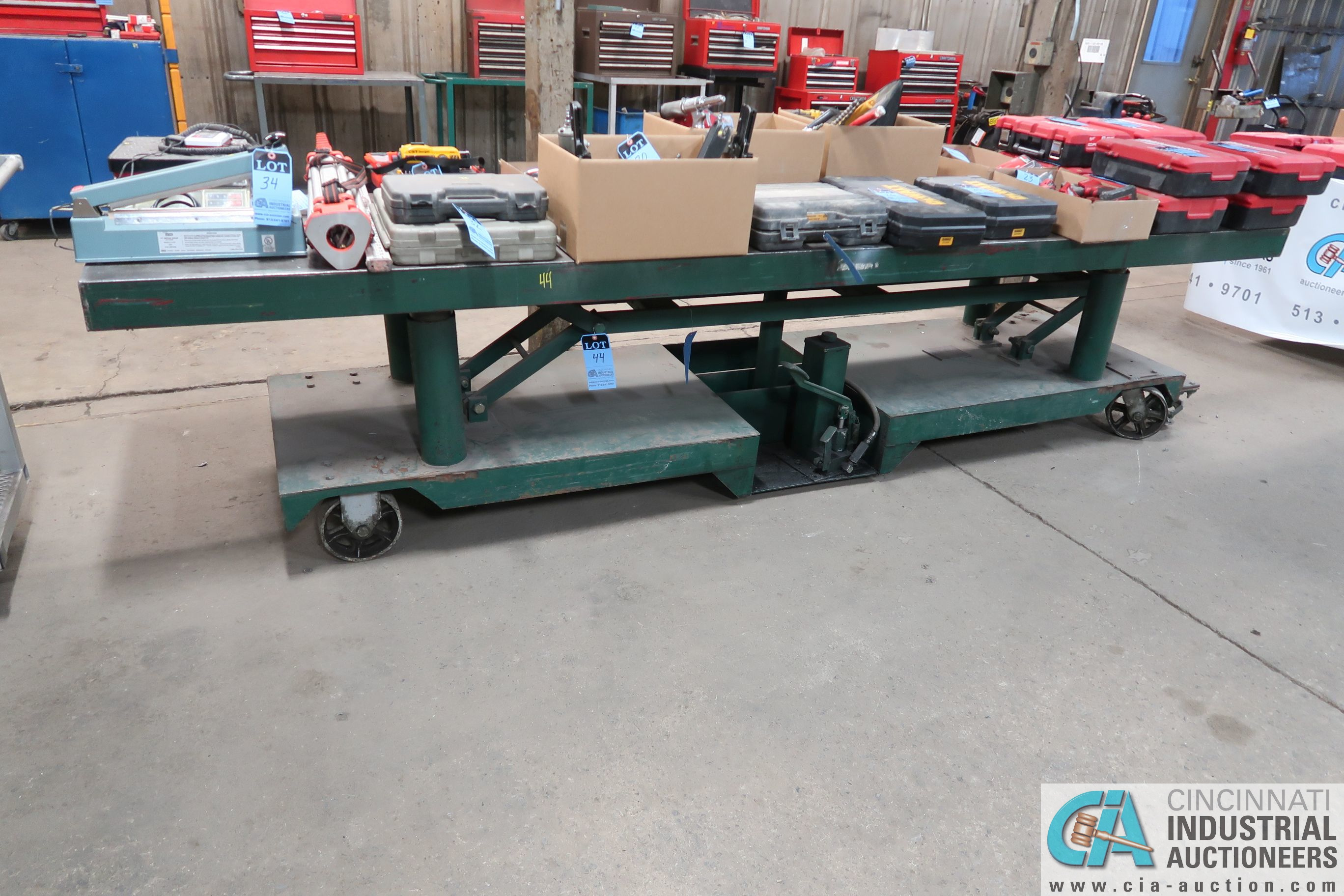 "144"" X 30"" HEAVY DUTY STEEL PORTABLE HYDRAULIC TABLE"