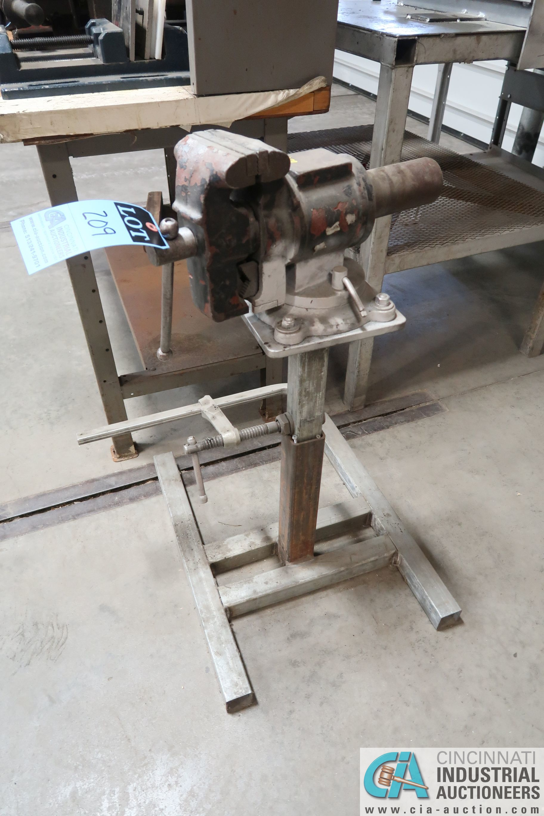 """5"""" SWIVEL VISE ON STAND"""