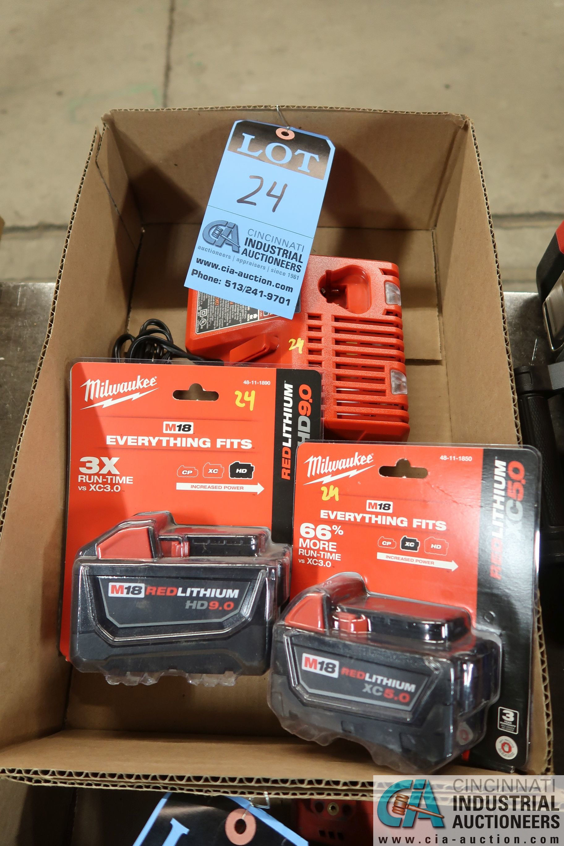 (LOT) NEW MILWAUKEE M18 RED LITHIUM HD9.0 & XC5.0 BATTERIES WITH CHARGER