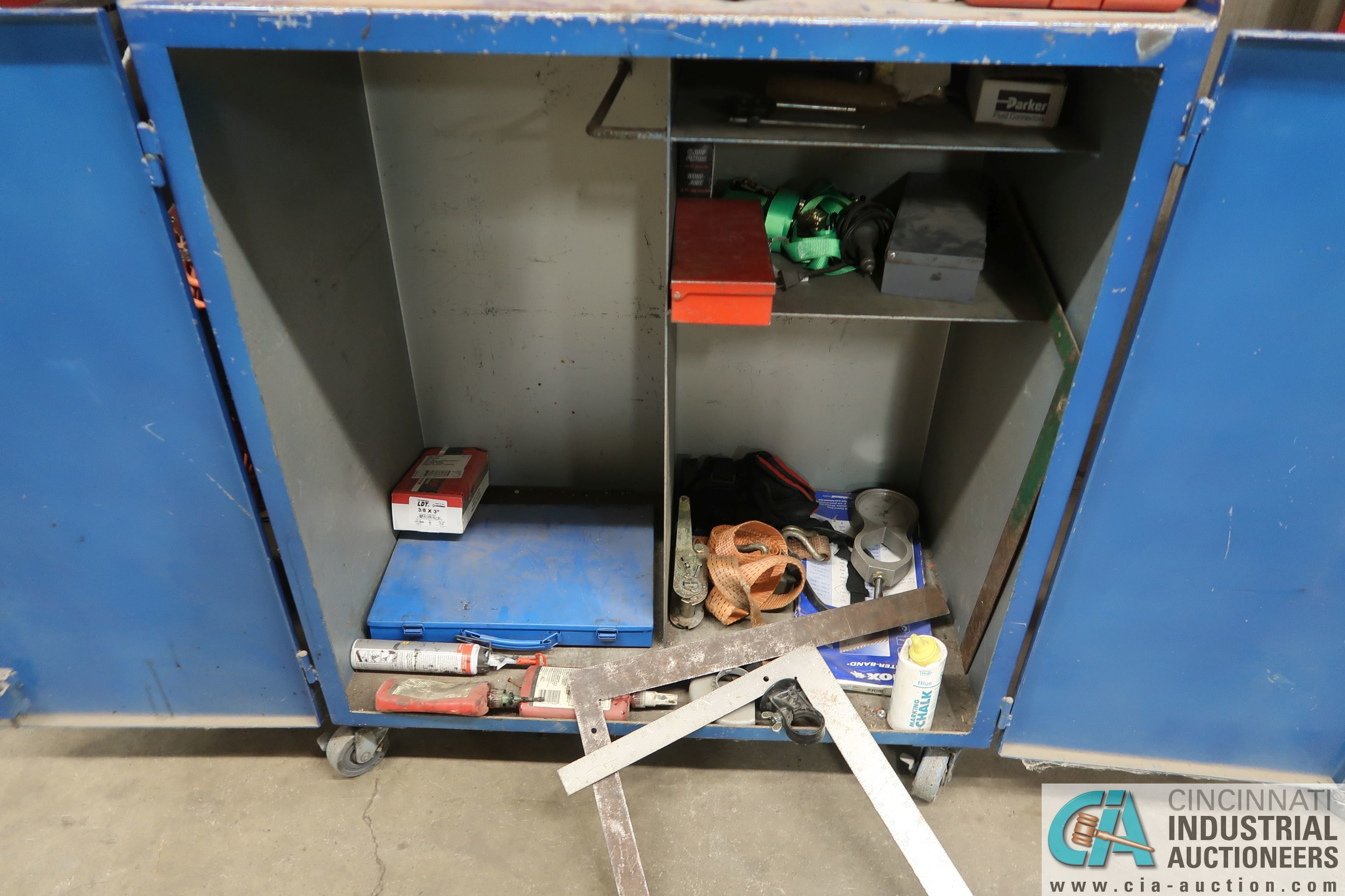(LOT) 6-DRAWER TOOL BOX WITH PORTABLE 2-DOOR CABINET AND TOOLS - Image 7 of 7