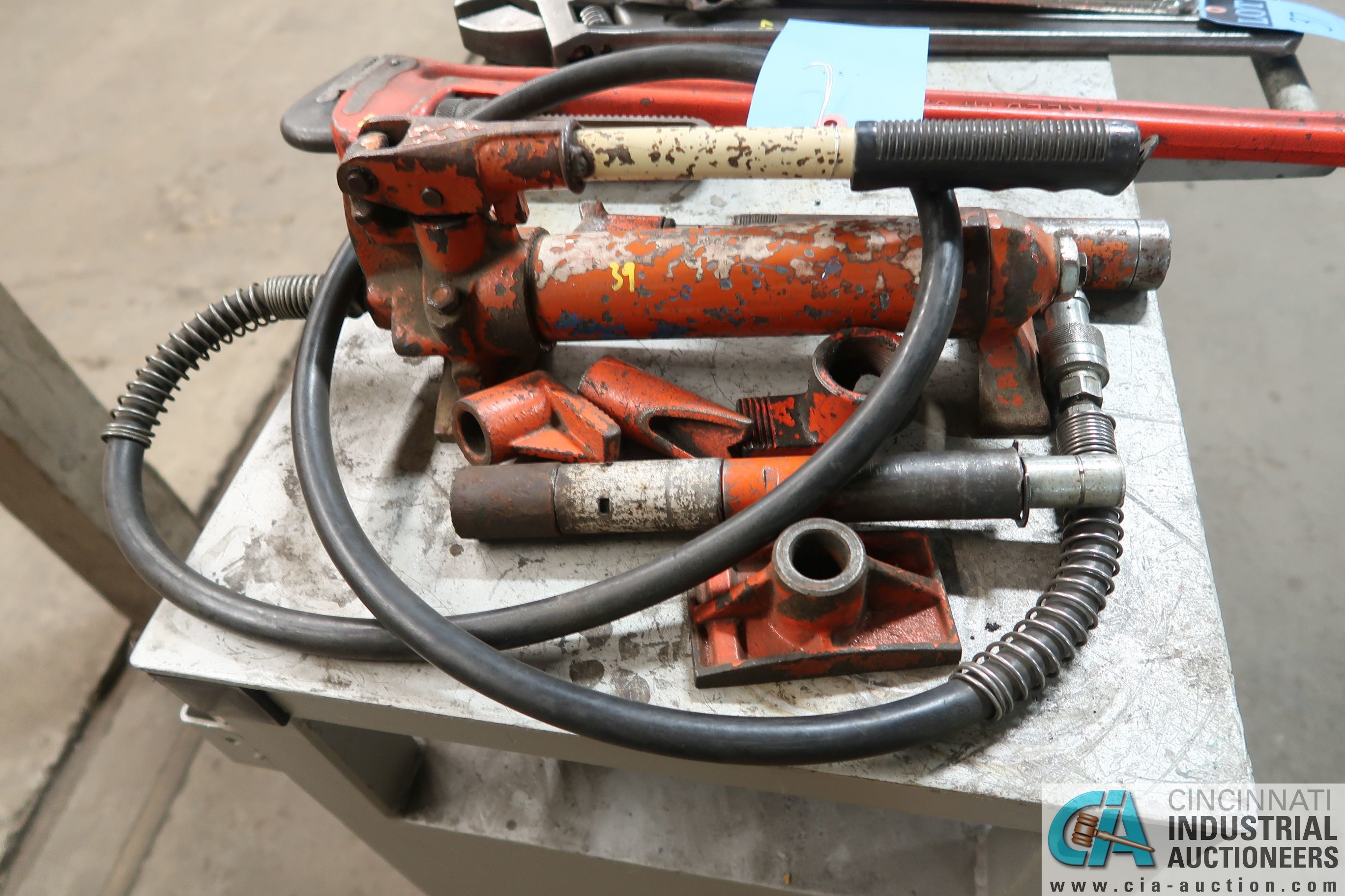 HYDRAULIC PUMP WITH TOOLING