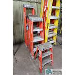 (LOT) (1) 5', (3) 4', & (1) 2' LOUISVILLE FIBERGLASS LADDERS