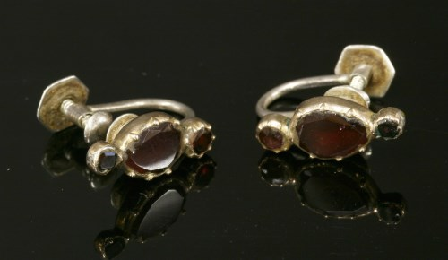Lot 21 - A pair of Georgian flat cut garnet links