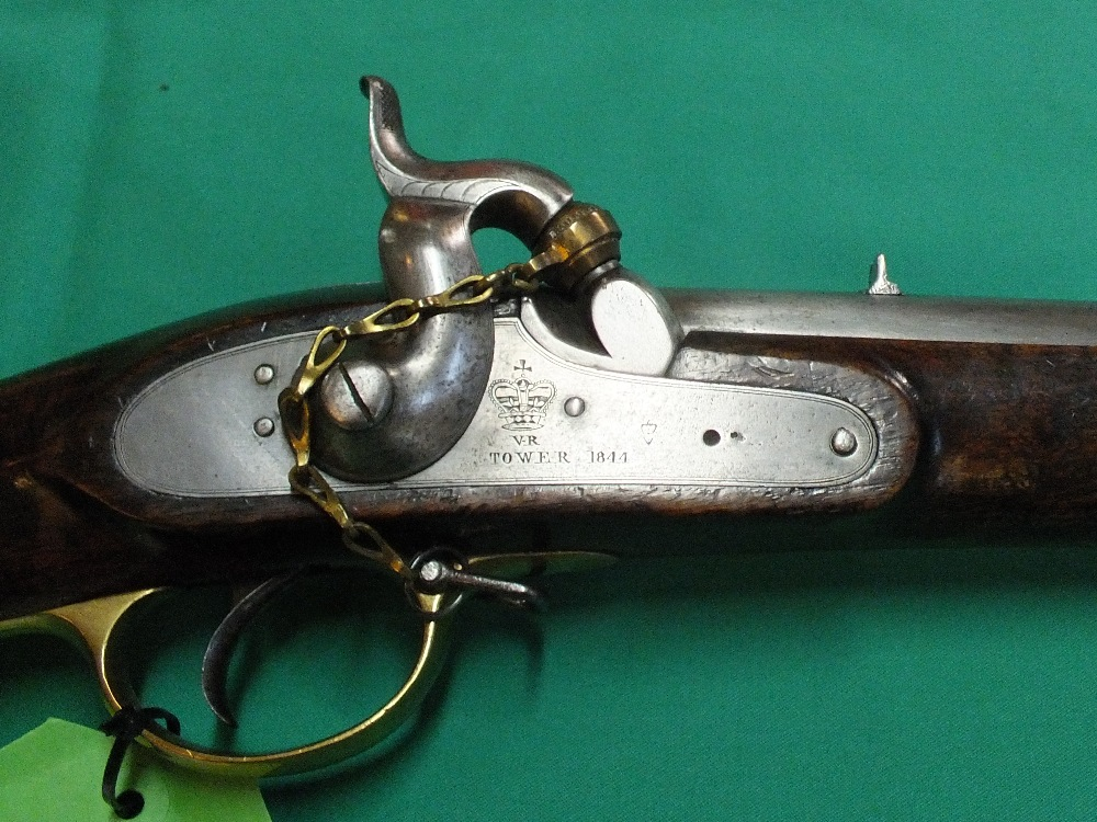 Lot 86 - A 1844 model Yeomanry carbine in .650, lock marked V.R.