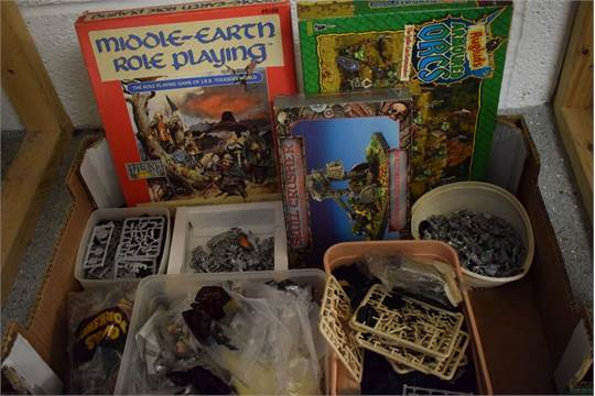 Toys - Games Workshop case metal models, mostly unpainted including