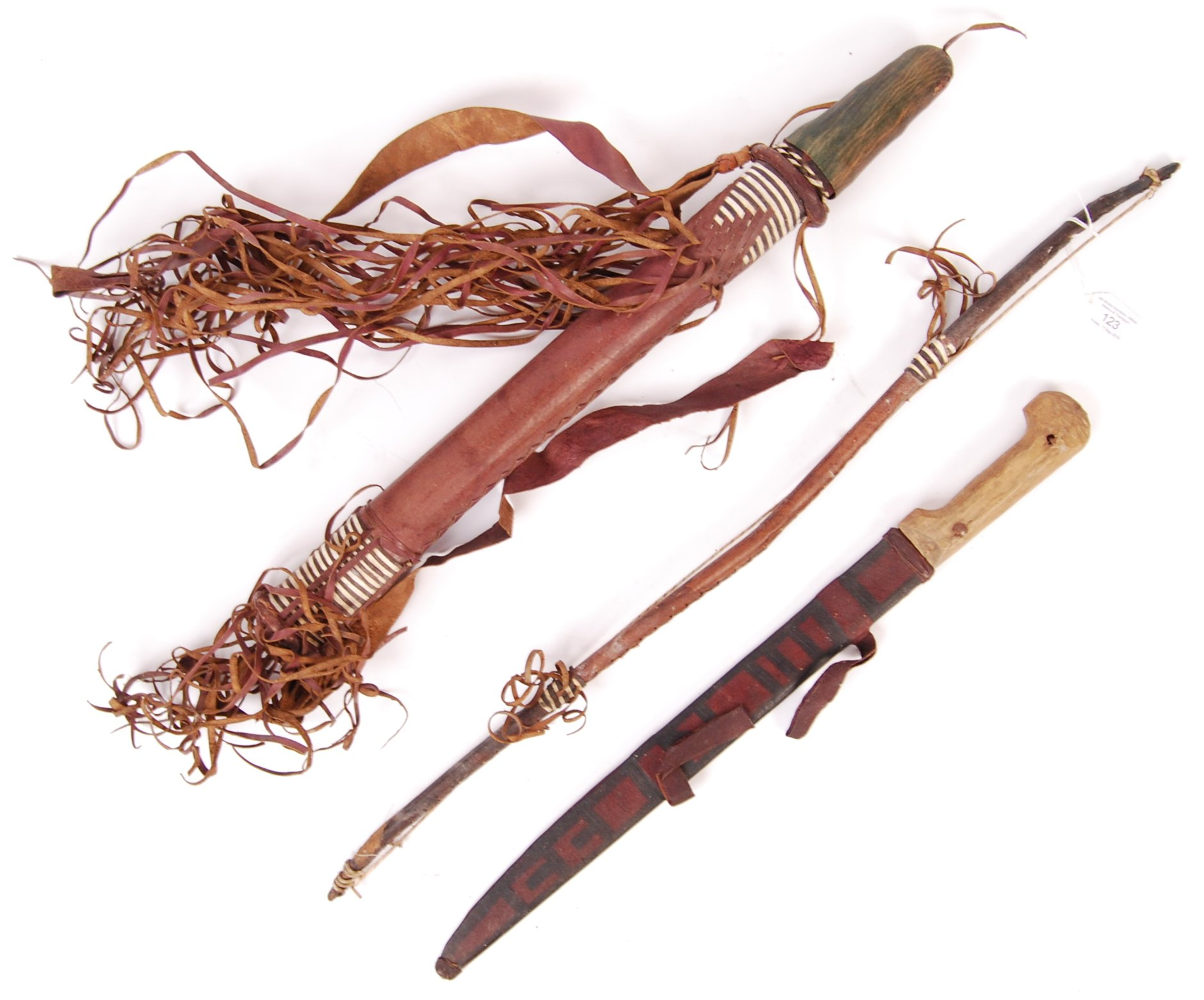 EARLY 20TH CENTURY AFRICAN TRIBAL QUIVER, BOW AND ARROWS