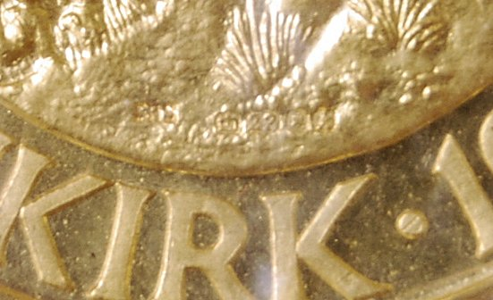 22CT GOLD 25TH ANNIVERSARY OF DUNKIRK COMMEMORATIVE COIN - Image 3 of 5