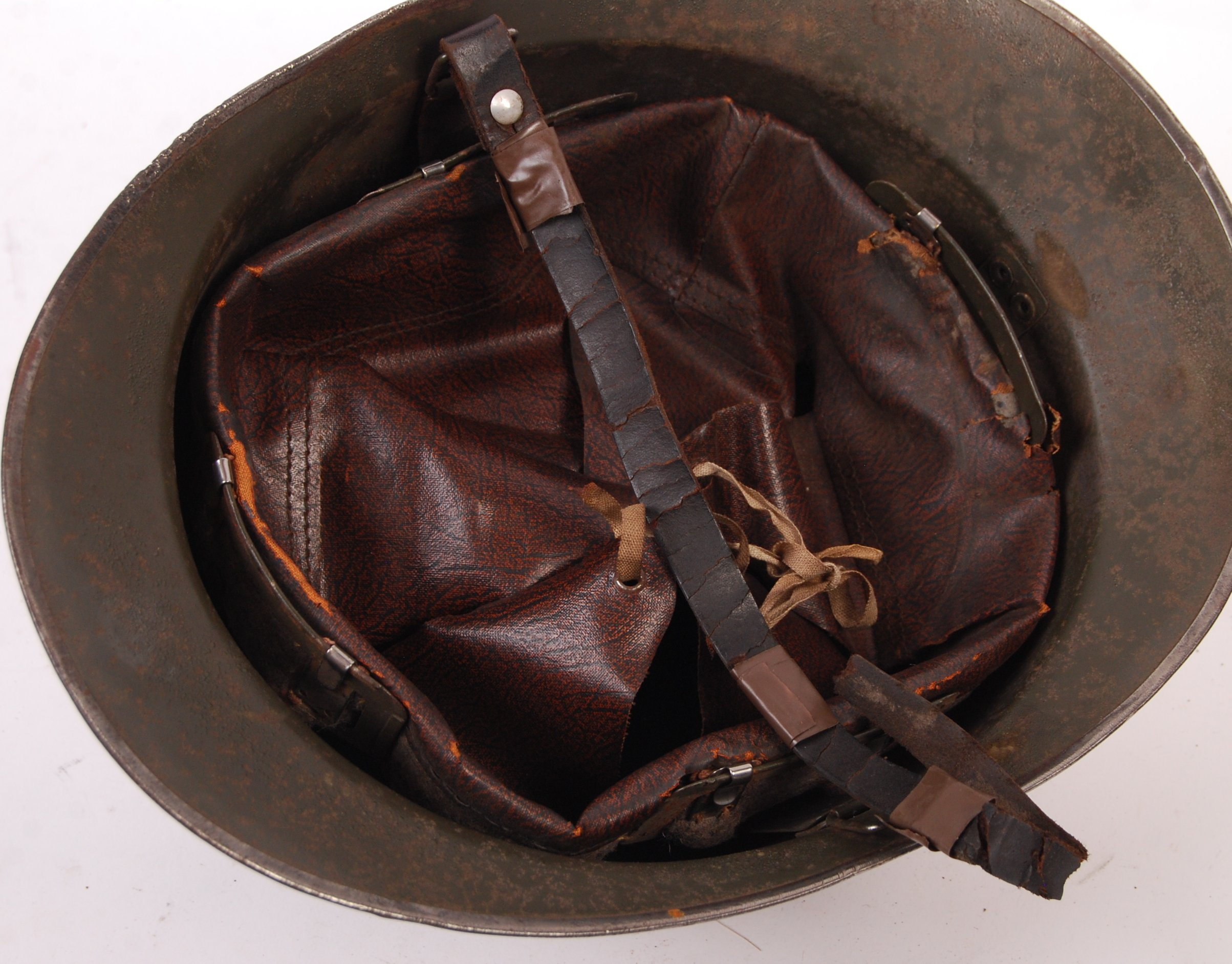 WWII SECOND WORLD WAR FRENCH M26 ADRIAN HELMET - Image 3 of 6