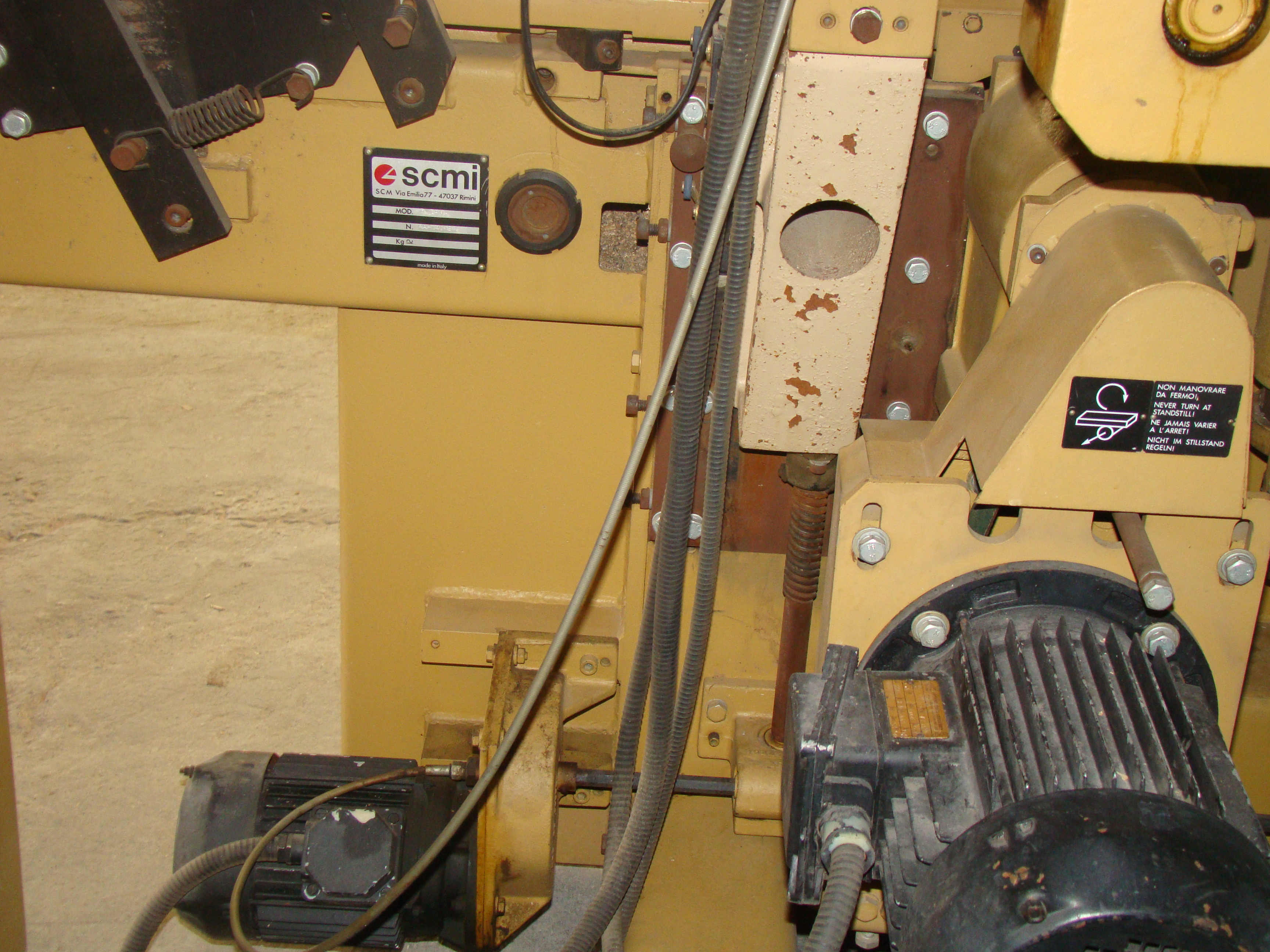 """SCMi 9"""" Wood Moulder, Model: P230 5 Head 6.6HP 220/440 Volts 3Phase - Image 6 of 14"""